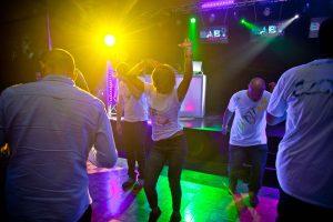 JCommerce fluo party - naparkiecie